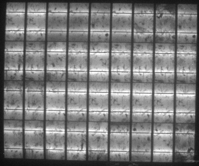 Elektrolumineszenz-Aufnahme des fabriksneuen flexiblen polykristallinen Solarmoduls